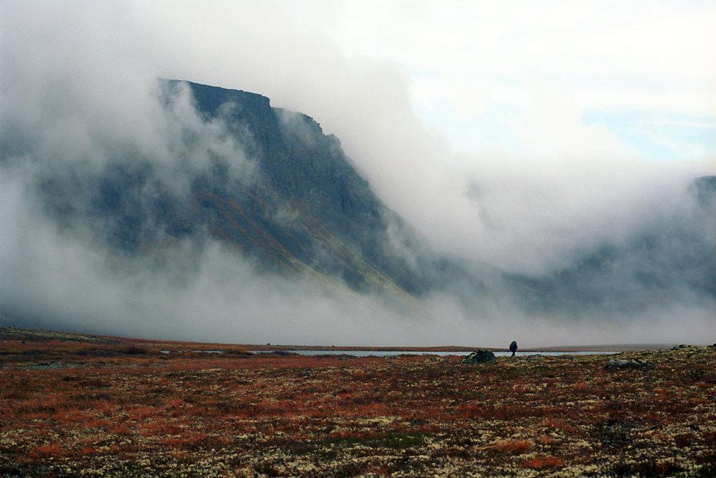 Озеро Киткъявр, тундры Луяврурта