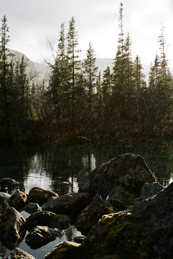 Дождь над устьем ручья Эльморайок