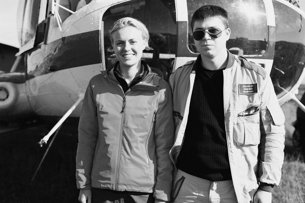 В Краснощелье с пилотом вертолета Мурманского авиапредприятия